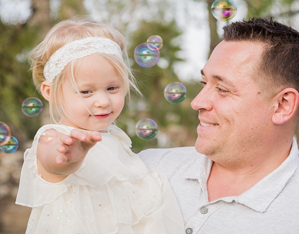 Father-Daughter-Bubbles.jpg